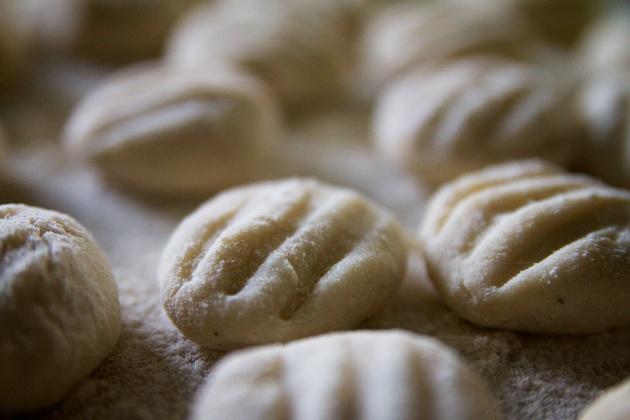 making gnocchi dough